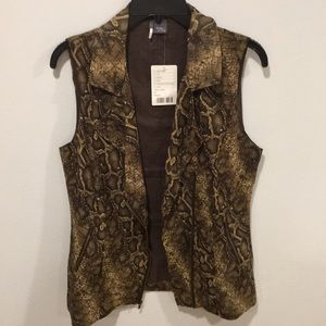 Sparkle and Fade snake print vest. NWT.